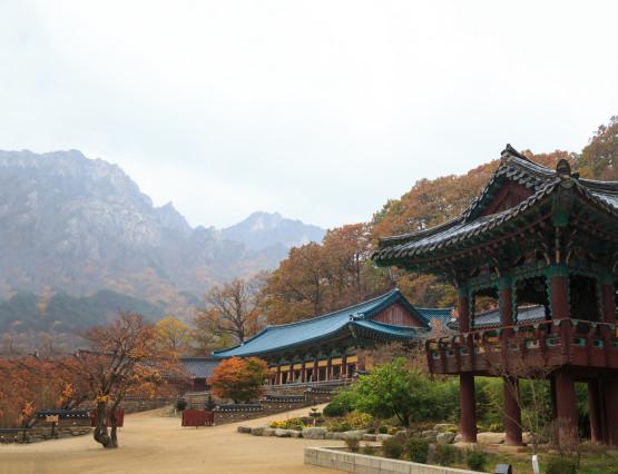 The building of Buddhist Sinheungsa Temple in Seoraksan National Park, South korea